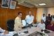 সিনিয়র সচিব ও রেজিস্ট্রারের মধ্যে স্বাক্ষরিত বার্ষিক কর্মসম্পাদন চুক্তি (২০১৬-১৭) হস্তান্তর